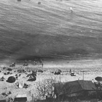 1928-08-26 Topanga Beach panorama alt ps 1.jpg